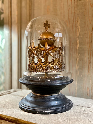 Metal Crown & Cloche