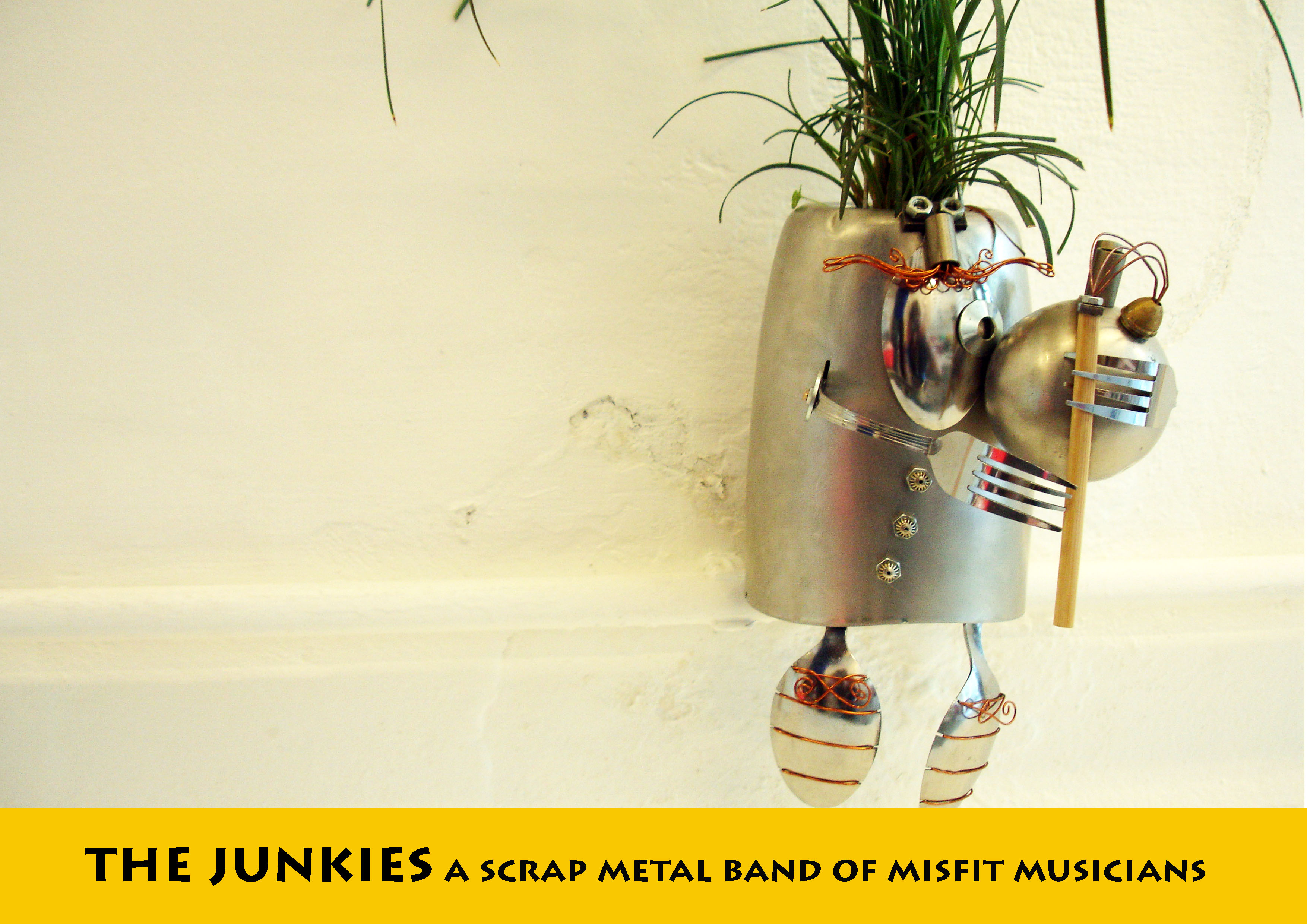 JUNK MUNKEZ-Upcycled bagpipe planter