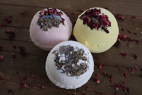 Assortment of 5 Crystal Bathbombs