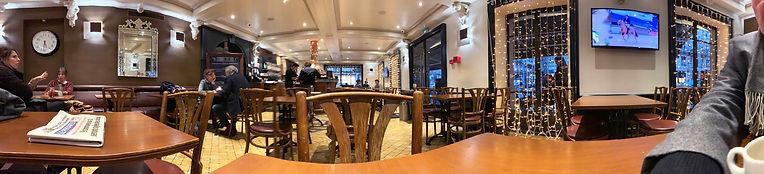 Photo panoramique à l'intérieur du Grand Café de Genève