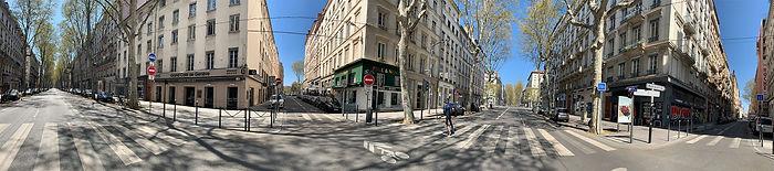 Photo panoramique montrant 3 immeubles et l'amorce d'un quatrième à l'angle de la rue de Saxe et de la rue de Sèze