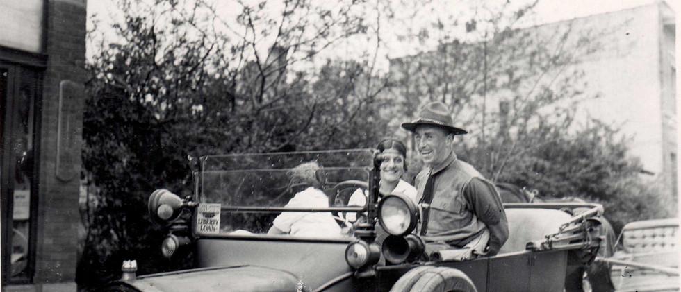 Parade_Mac_Morris_1919.jpg