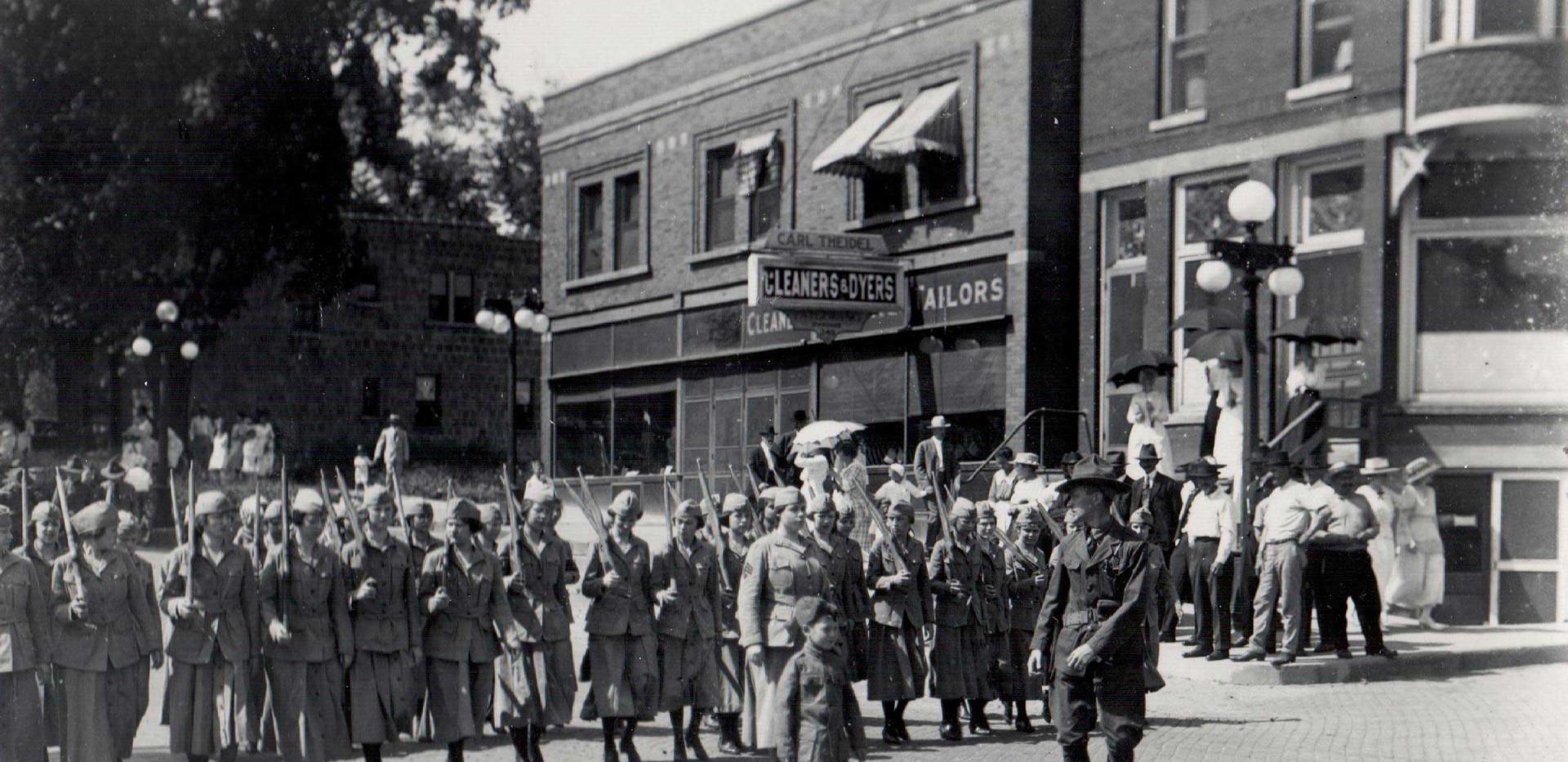 Parade_Girls_Drill_Corps_1919.jpg