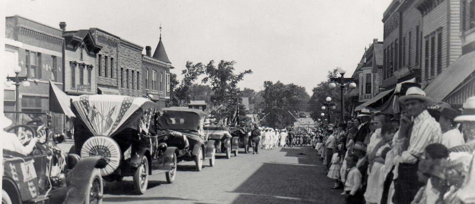 Parade_LH_Lamb_1919.jpg
