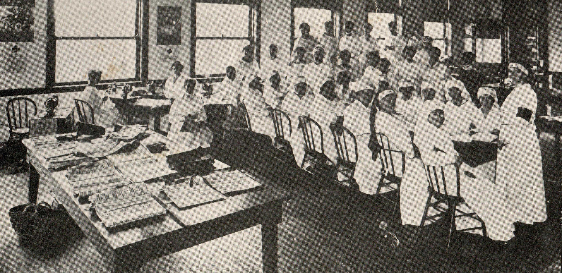 Hinsdale_Red_Cross_Unit_At_Work.jpg