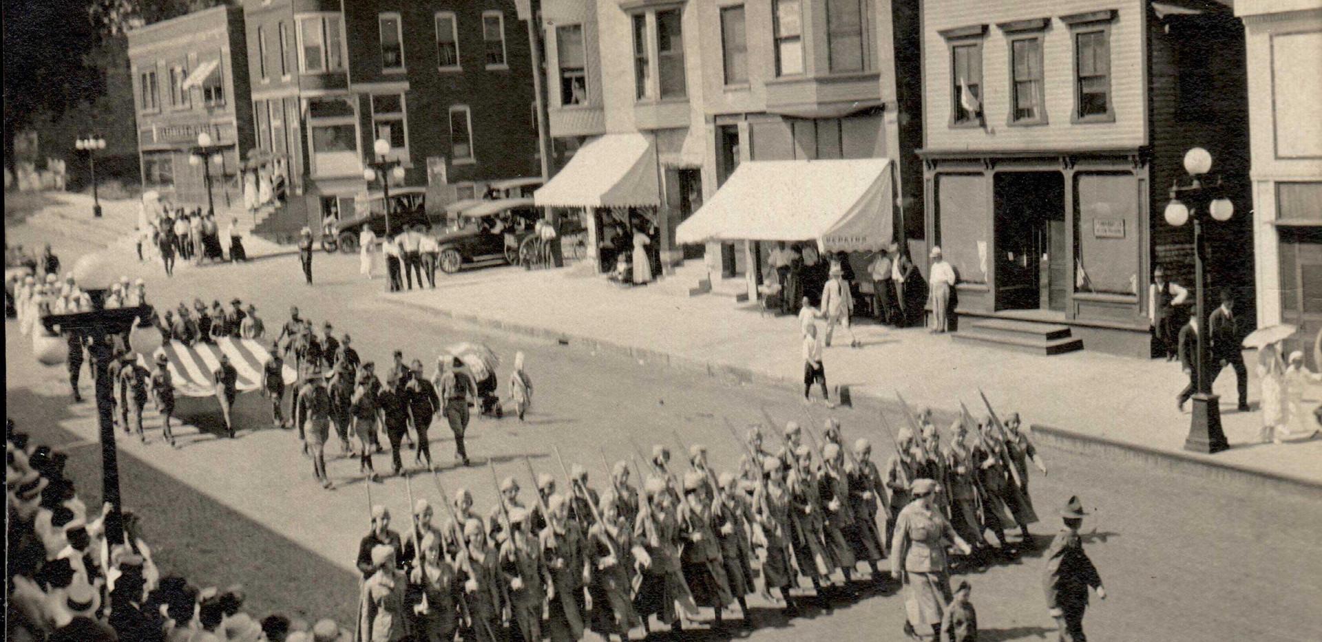 Parade_WW15.jpg