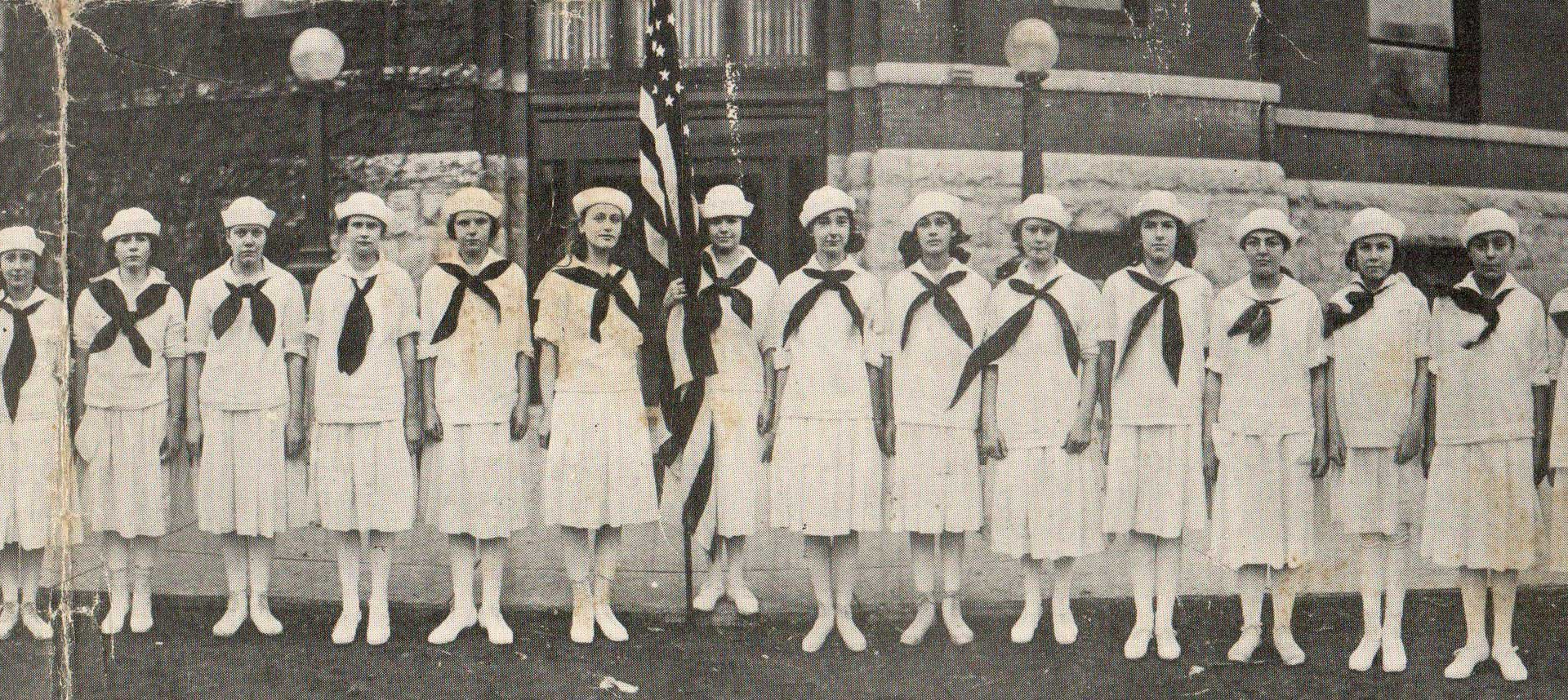 Parade_Junior_Jills_1919-2.jpg