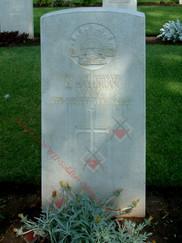 EGYPT Cairo War Memorial Cemetery 2/1st Field Workshops WX4768 Pvt James HALLIGAN
