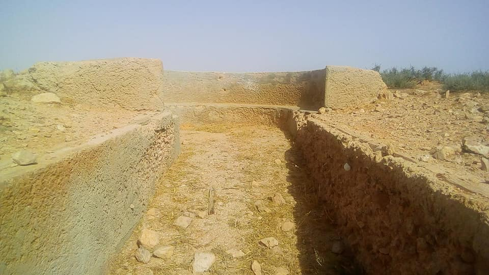 R32 Entrenchments
