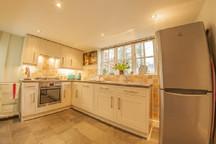 Clematis Cottage, Tealby - kitchen