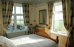 Wold View House, Tealby - bedroom