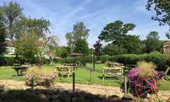 The Kings Head, Tealby - garden