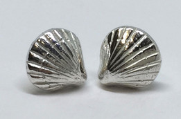 Also Emma - Baby Shell studs