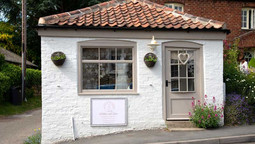 Willow and Lace, Tealby - bridal shop
