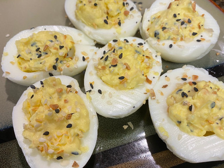 Everything Bagel Deviled Eggs