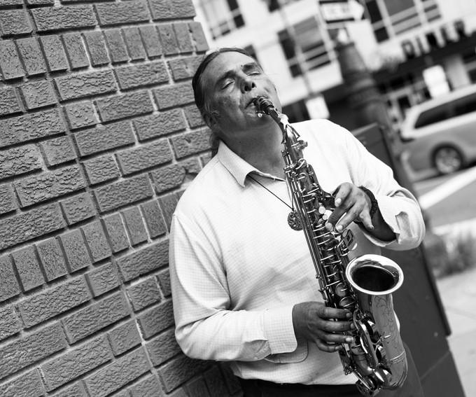 A sax artist in Philadelphia
