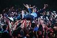 crowdsurfen tijdens de diploma-uitreiking van de UCI