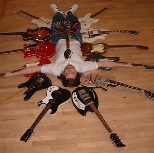 circle of guitars cross1.JPG