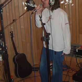dan singing1.JPG