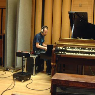 mick_piano2.JPG