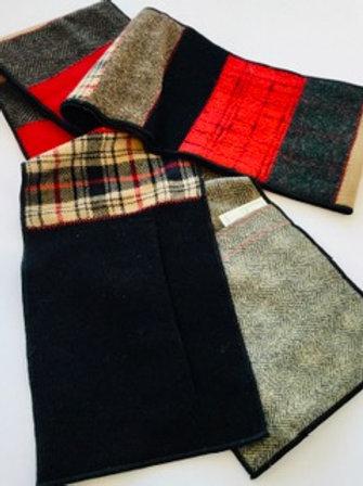 Scarf w/ pockets- red, black, beige