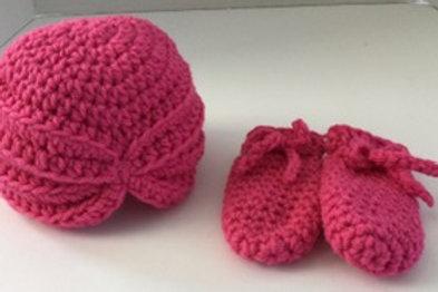 Hat- infant- cloche & mittens set- infant