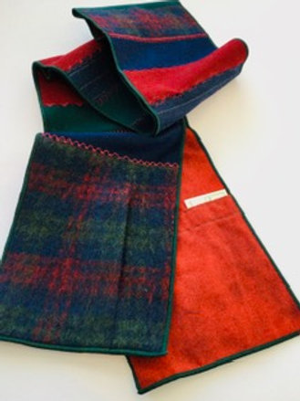 Scarf w/ pockets- red, forest, navy