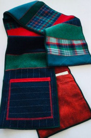 Scarf-w/ pockets red, green, navy