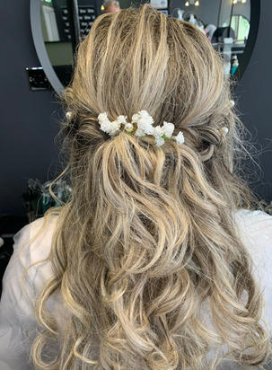Gypsopila hair pins all placed in this bridal hair trial . Just Stunning