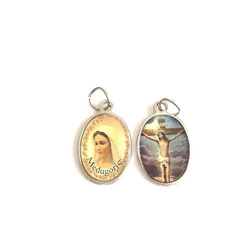 J055 Medalla Virgen Medjegourge y Jesús en la Cruz