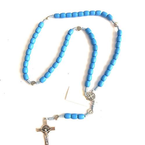 MJ002 Rosario Azul Claro de Medjegourge Cruz Plateada