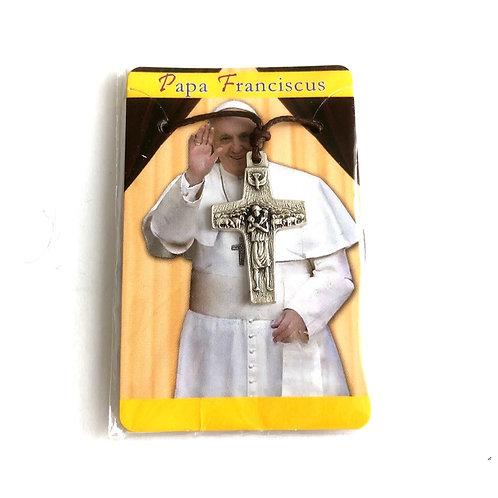 J059 Cruz Pectoral Papa Francisco con hilo representa El Buen Pastor