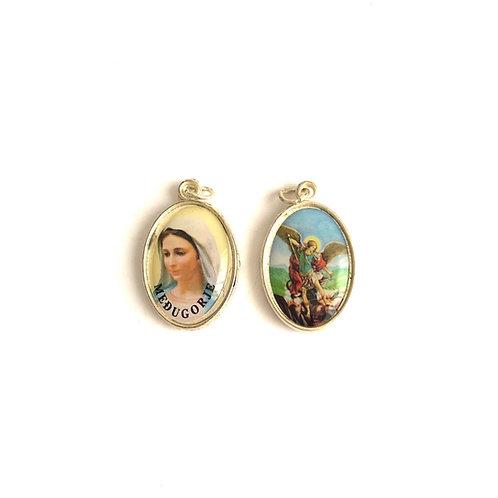 J052 Medalla Virgen Medjegourge y Arcángel  San Miguel
