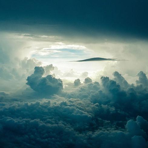 sky-690293_1920.jpg