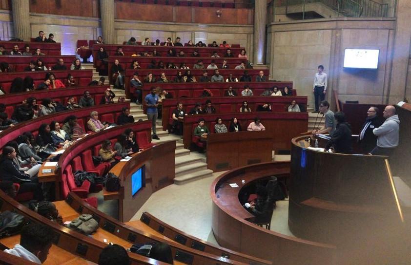 Journée santé citoyenne au CESC avec les élèves d'Erik Satie, journée qui a vu la mobilisation de 6 membres de l'équipe AJE-Paris pour accompagner les élèves, et s'assurer du bon déroulement des séances.