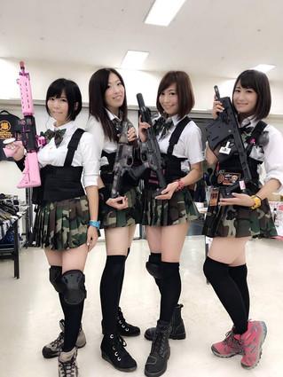 ウピウピ隊。武装JKコスで爆裂祭。