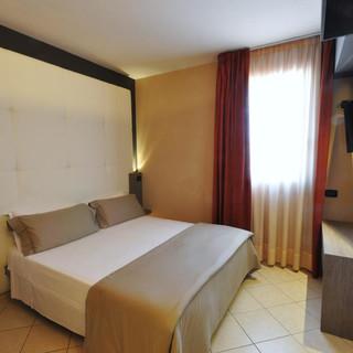 camera hotel.jpg