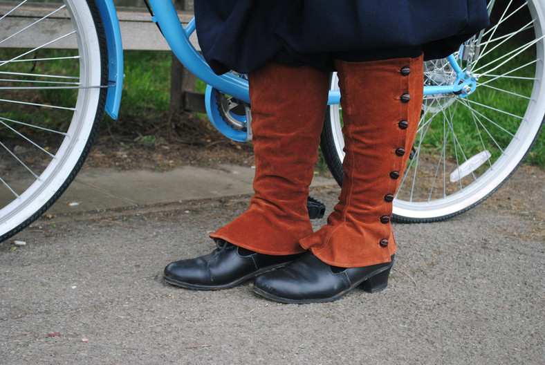 Calf leather gaiters