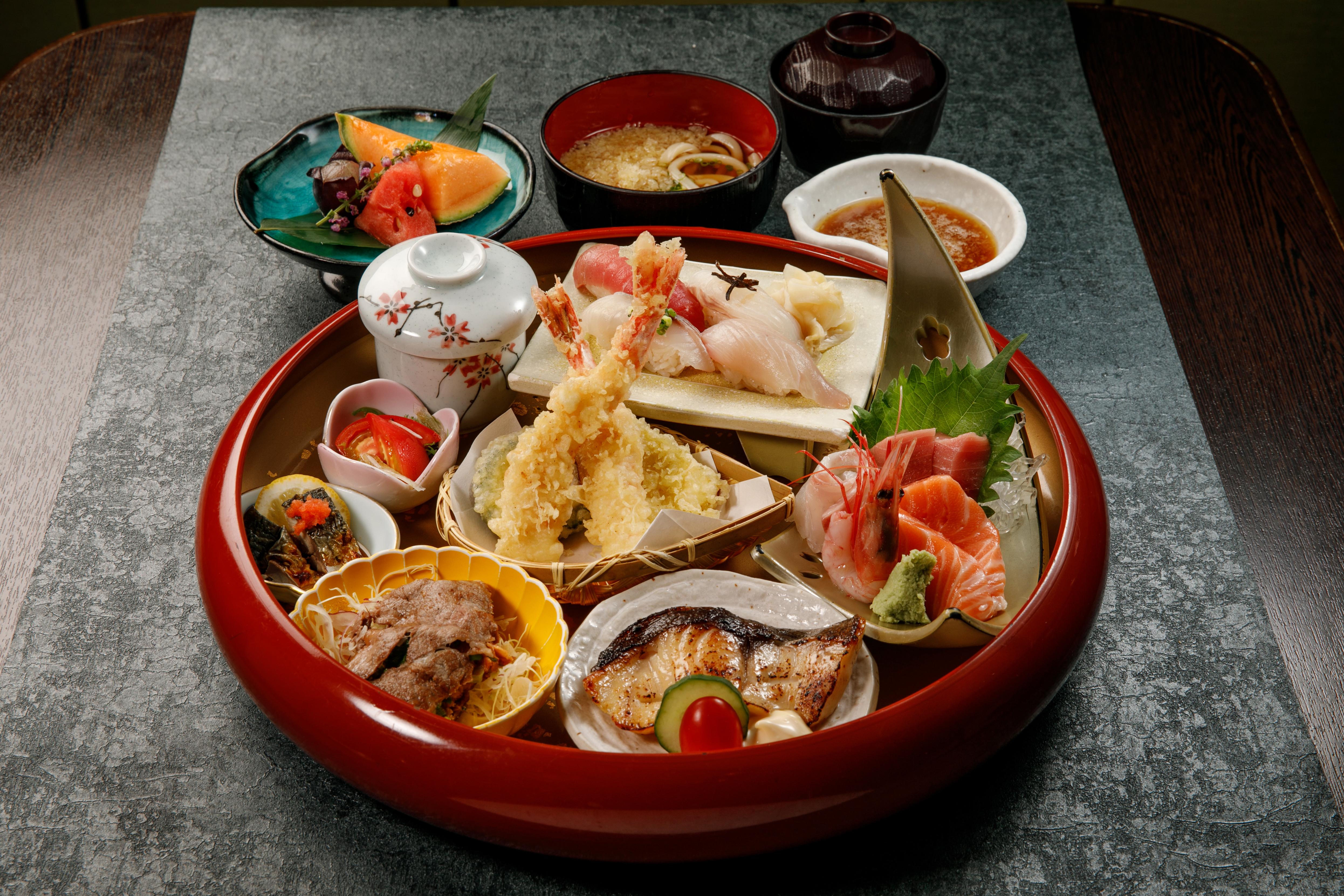Nishimura Lunch Box