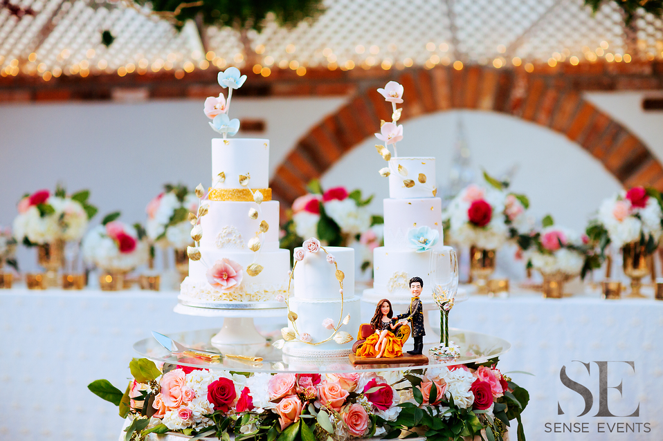 Mei & Louis Wedding -Madsen's Greenhouse Newmarket-Sense Weddings & Events-多伦多婚礼策划-Cake Table.PNG