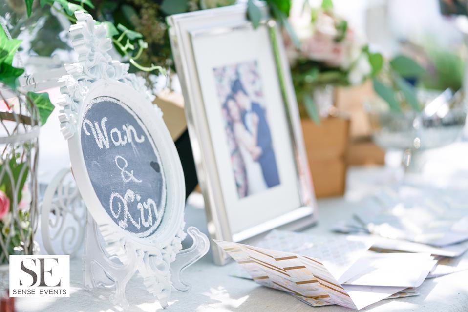 Wan & Michael Wedding -Muskoka Touch Stone Resort-Sense Weddings & Events-多伦多婚礼策划-Receiving Table 迎宾桌2.PNG