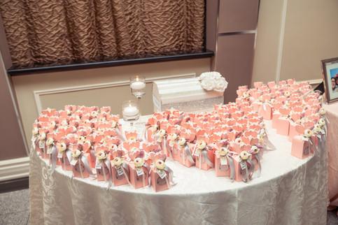 Sherry & Edwin Wedding -Avenue Banquet -Sense Weddings & Events-多伦多婚礼策划-Receiving Table 1.jpg