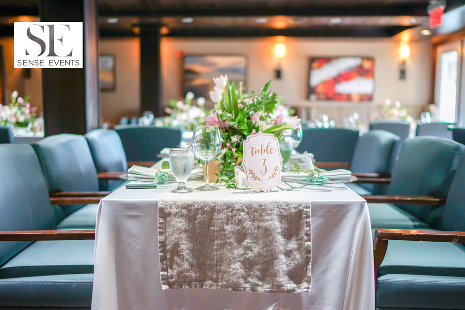 Wan & Michael Wedding -Muskoka Touch Stone Resort-Sense Weddings & Events-多伦多婚礼策划-Centerpieces 2.PNG