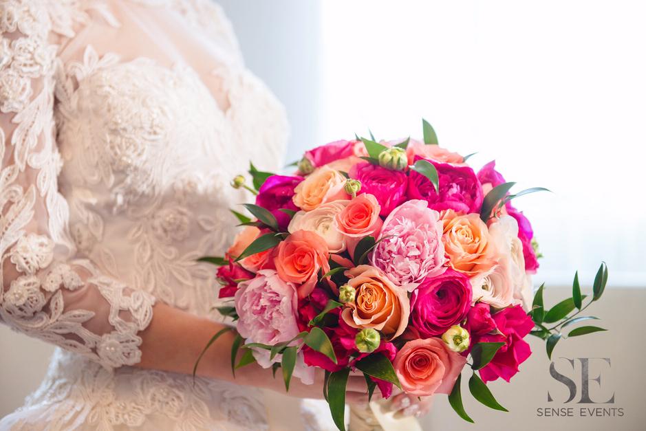 Mei & Louis Wedding -Madsen's Greenhouse Newmarket-Sense Weddings & Events-多伦多婚礼策划-Bridal Bouquet.PNG