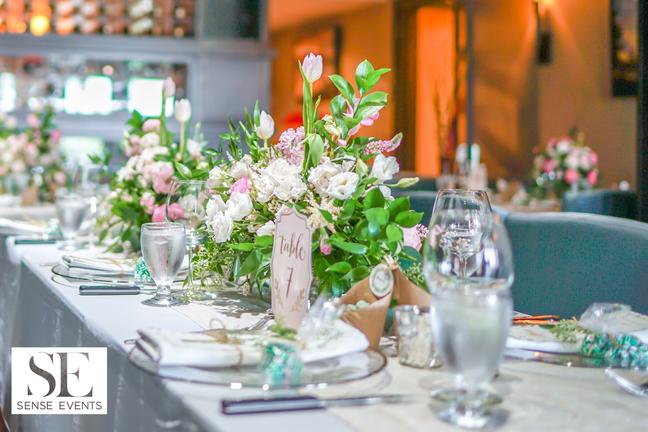 Wan & Michael Wedding -Muskoka Touch Stone Resort-Sense Weddings & Events-多伦多婚礼策划-Centerpieces 1.PNG