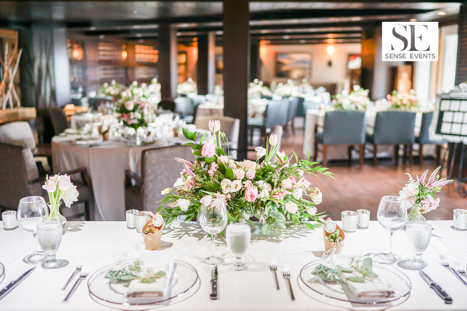 Wan & Michael Wedding -Muskoka Touch Stone Resort-Sense Weddings & Events-多伦多婚礼策划-Head Table 主桌.PNG
