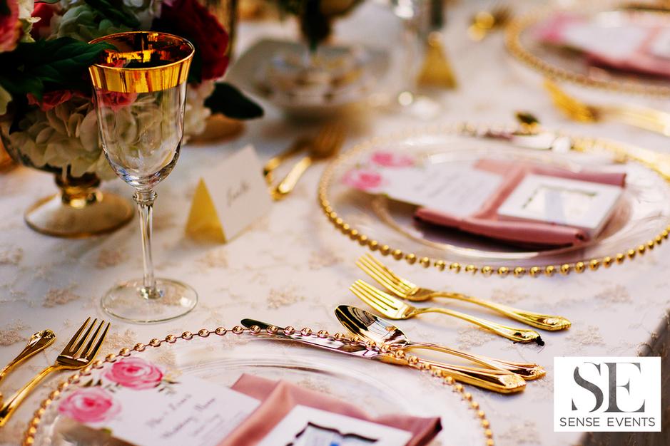 Mei & Louis Wedding -Madsen's Greenhouse Newmarket-Sense Weddings & Events-多伦多婚礼策划-table Setting.PNG