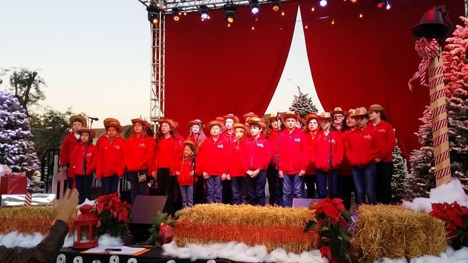 MUSYCA+childrens+choir+performs+at+Westlake+Tree+Lighting