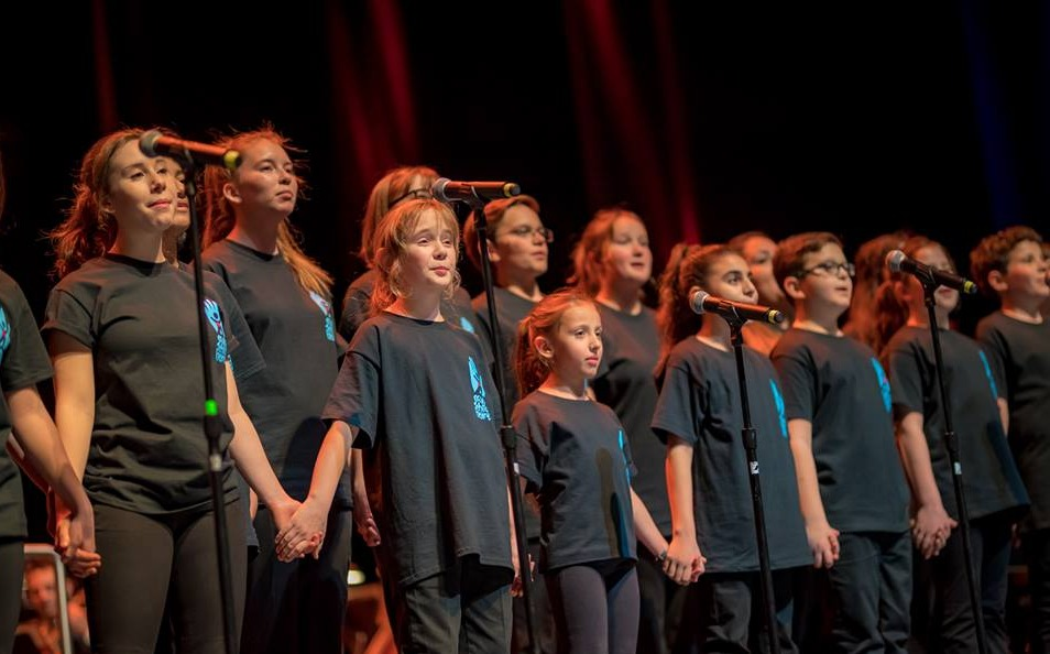 Kids Choir sings to save hearts