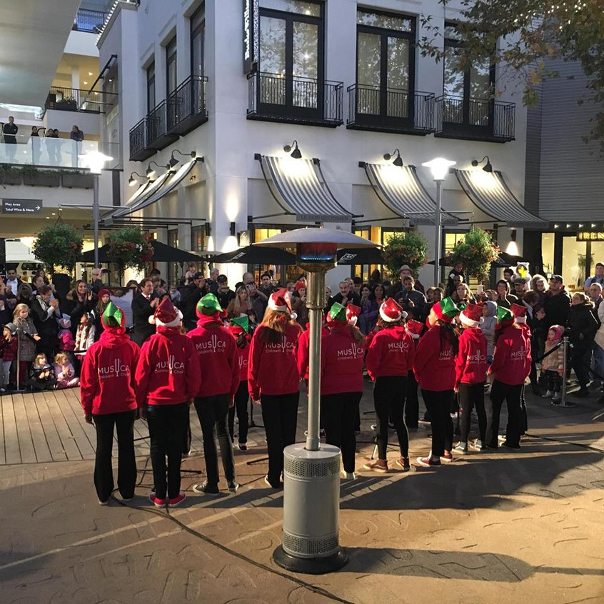 MUSYCA Children's Choir sings at Woodland Hills Topanga and The Village